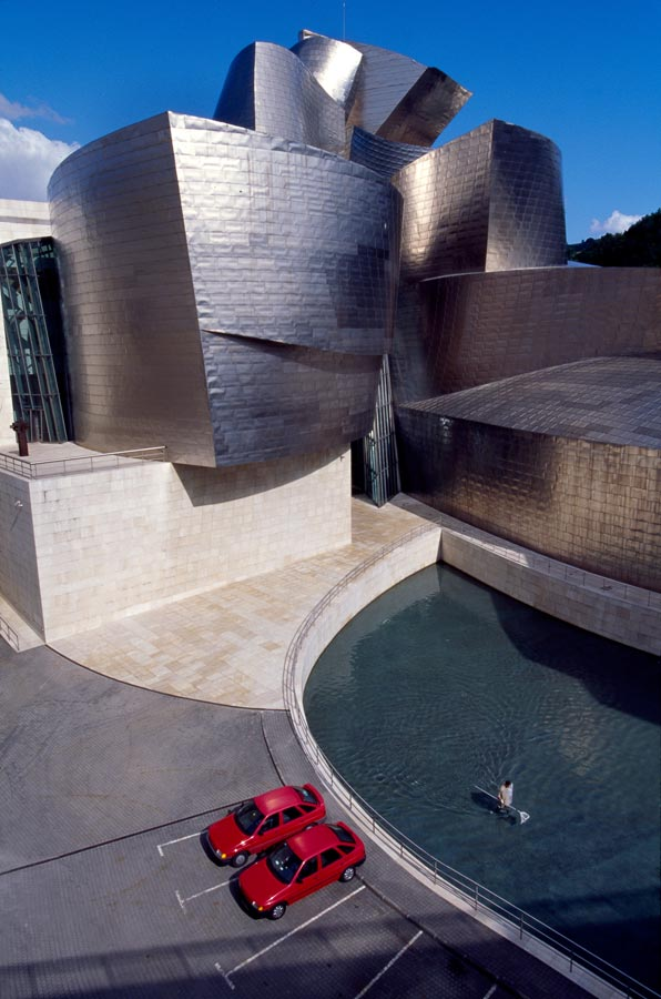 Guggenheim, Bilboa, Spain, Constructed with a steel frame covered with titanium sheathing